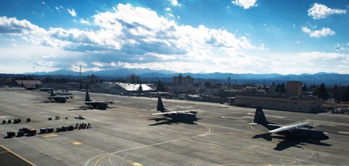 yokota_base.jpg