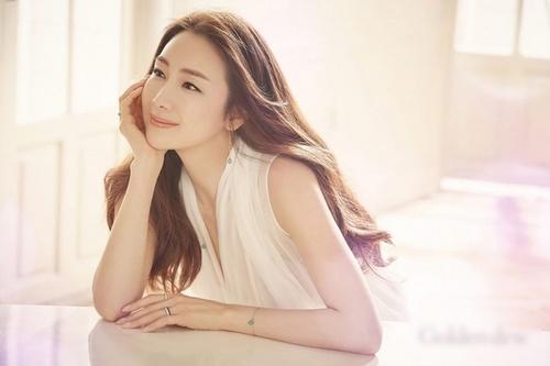 Choi Ji Woo_1803.jpg
