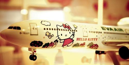 Hello_kitty_jet.jpg