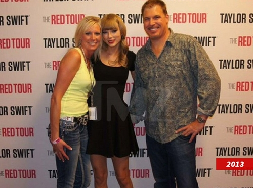 Taylor Swift_1708-2.jpg