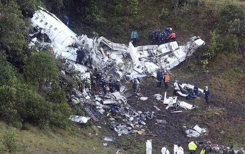 airplane-crash-2.jpg