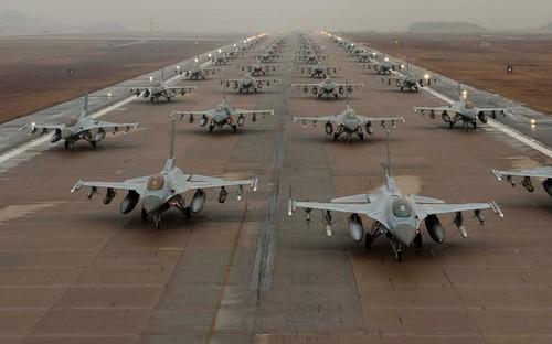 f16-falcons.jpg