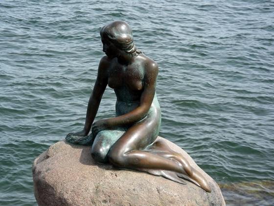little-mermaid-01.jpg