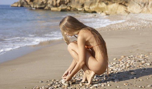 wow_bikini_3.jpg