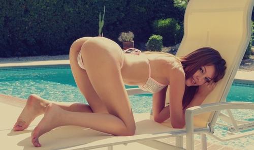 wow_bikini_82.jpg